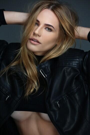 Ana Júlia Santhi